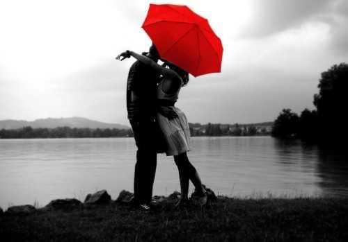 Sărutul, între afecţiune şi repulsie