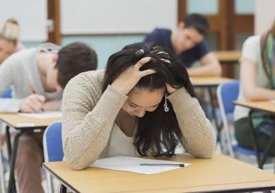 Astăzi se începe sesiunea repetată a examenelor de bacalaureat