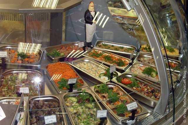 """Ingrediente """"mai deosebite"""" în salata din supermarket-urile capitalei"""