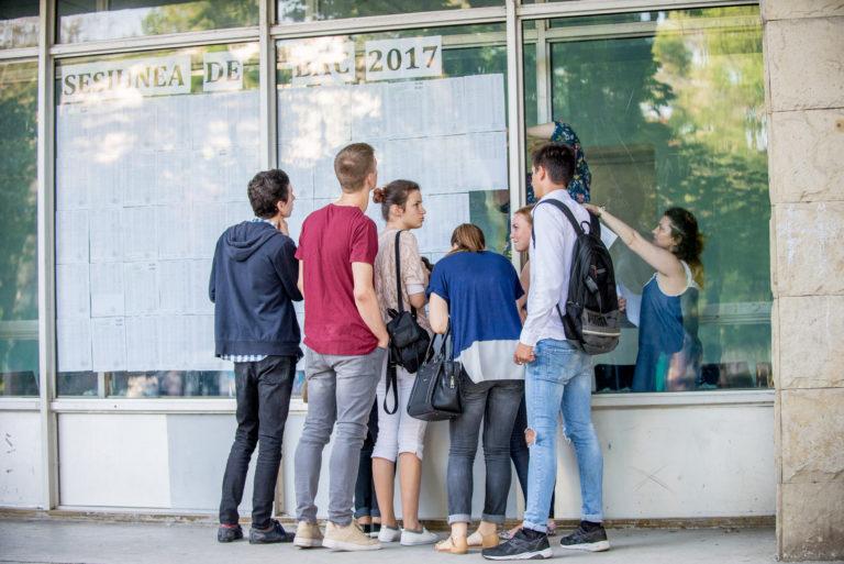 BAC 2017: Circa 35% dintre tineri au promovat examenele din sesiunea suplimentară