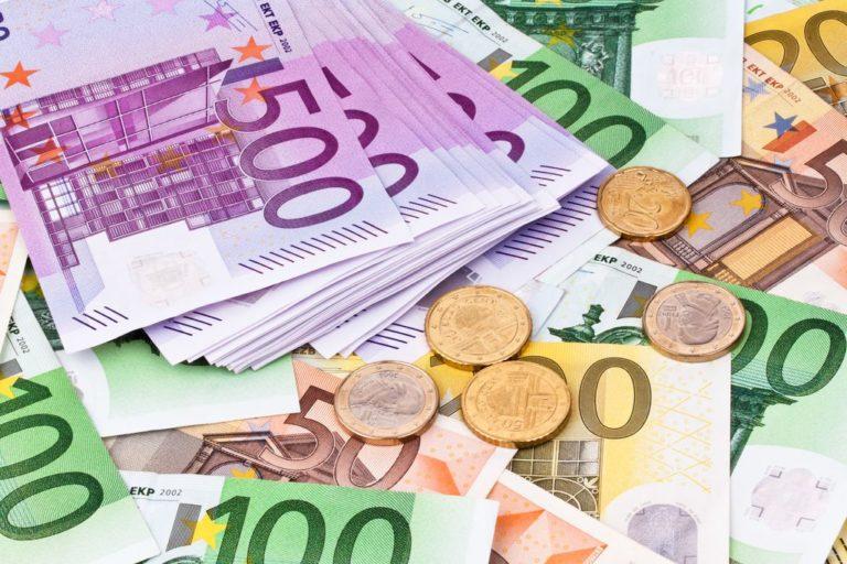 Euro creşte îngrijorător de mult pentru nemți