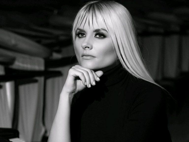 """Fosta membra A.S.I.A., basarabeanca Ianna Novac, lansează un nou videoclip la piesa """"Mi-e dor"""""""