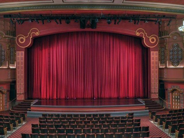 Actorii solicită redeschiderea teatrelor