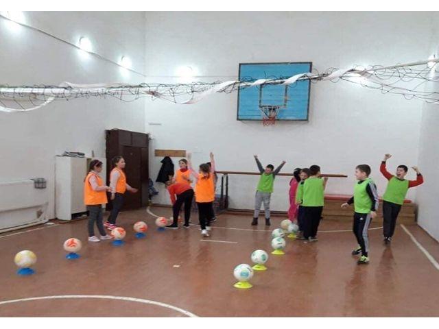Fotbalul – o pasiune a copiilor din satul Miclești
